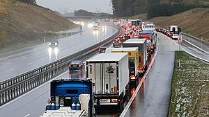Sænk farten på motorvejen: Nyt forsøg på at stoppe larmen i Nyborg