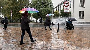 Regnvejret fortsætter torsdag - men opklaringen er på vej