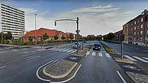 Trafikeret lyskryds mørklagt efter spidsfindigt uheld
