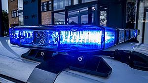 26-årig mand anholdt for at knuse ruder med kanonslag