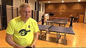 Ping pong mod parkinson: - Du skal tænke strategisk, og det går rigtig stærkt
